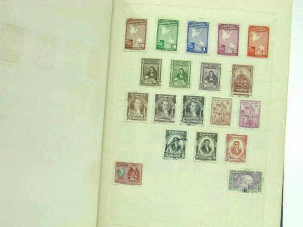 1005: THREE STAMP ALBUMS: MEXICAN & SOUTH AMERICAN - 8