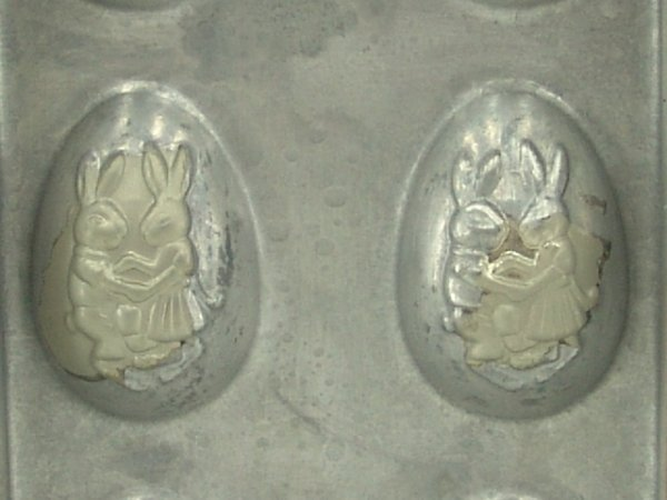417: ANTIQUE EASTER EGG CHOCOLATE MOLD