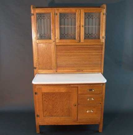 - 660: ANTIQUE HOOSIER CABINET WITH ETCHED GLASS