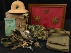 GROUPING OF US WWII USMC ITEMS  PITH PACK LOCK MORE