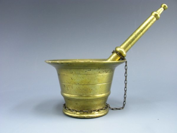 1015: ANTIQUE BRASS MORTAR AND PESTLE
