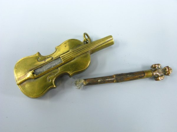 1645: FIGURAL VIOLIN PERMANENT MATCH  LIGHTER - 2