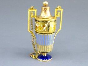 18: A SWISS ENAMEL ON GOLD 18K VINAIGRETTE