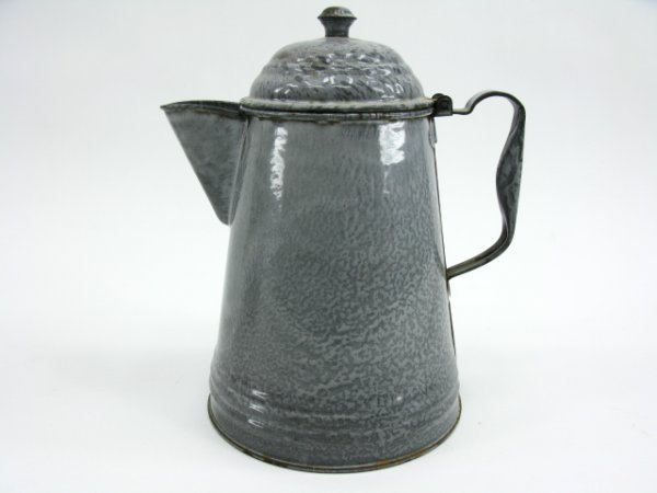 14: A GREY GRANITE ENAMELED COFFEE POT AND LID