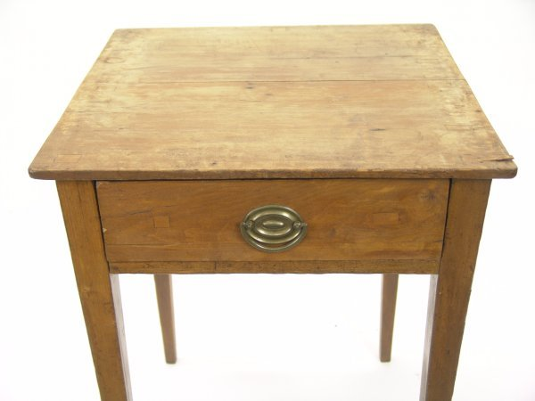 ONE-DRAWER STAND TABLE WITH TAPERED LEG