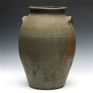 A LARGE 19TH C. MIDWESTERN OVOID STONEWARE CROCK