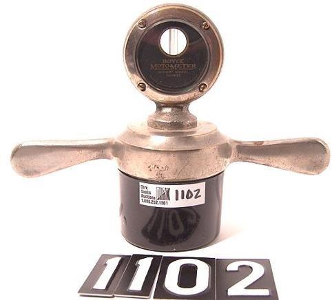 1102: ANTIQUE AUTO MOTOMETER BY BOYCE FOR: MIDGET MODEL