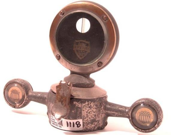 1118: ANTIQUE AUTO MOTOMETER BY ELCAR A WELL BUILT CAR
