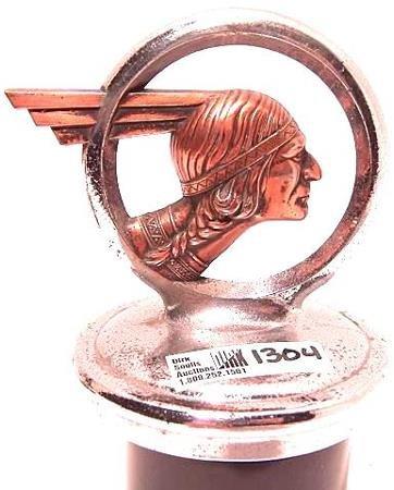1304: 1932 PONTIAC INDIAN RADIATOR CAP