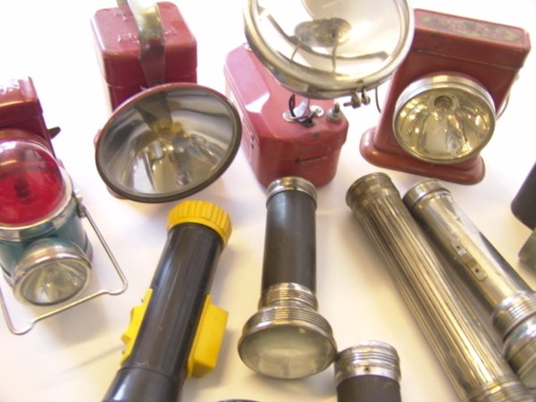 1442: LARGE LOT OF ANTIQUE FLASHLIGHTS - 5