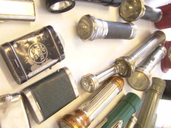 1442: LARGE LOT OF ANTIQUE FLASHLIGHTS - 6