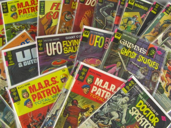 22 SCIENCE FICTION & RELATED COMICS