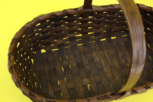 2: CIRCA 1930'S OAK GATHERING BASKET