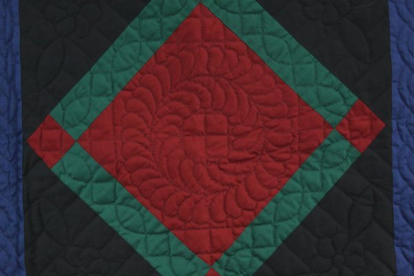 10: NEW AMISH-MADE LANCASTER COUNTY CRIB QUILT