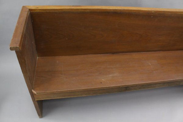 16: 19TH CENTURY CHURCH PEW