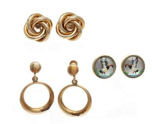 A COLLECTION OF 14K GOLD EARRINGS INCLUDING TIFFANY