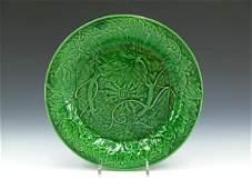 386 WEDGWOOD MAJOLICA GREEN PLATE