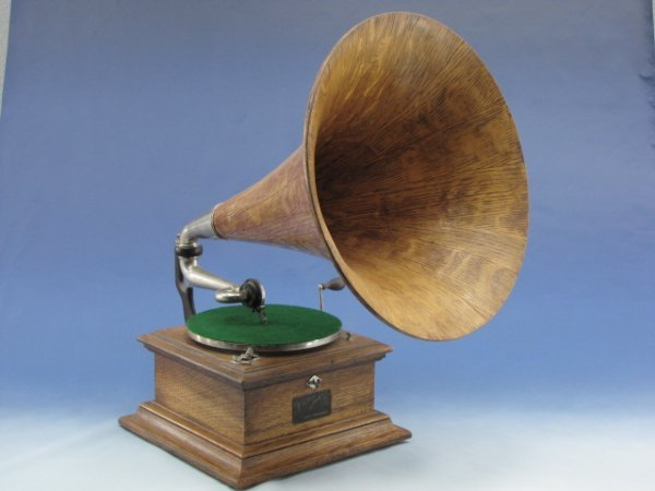 A VICTOR II PHONOGRAPH WITH MORNING GLORY HORN