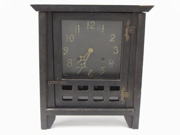 A NEW HAVEN MISSION MANTLE CLOCK