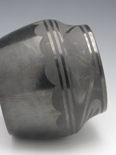 TONITA ROYBAL SAN ILDEFONSO BLACK POTTERY JAR - 5