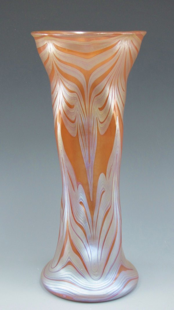 AN EXCEPTIONAL LOETZ VASE MEASURING 14 INCHES