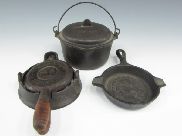 WAGNER MINIATURE KETTLE, DUTCH OVEN & WAFFLE IRON