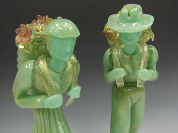 ATTRIBUTED BAROVIER & TOSO MURANO GLASS PEASANT PAIR