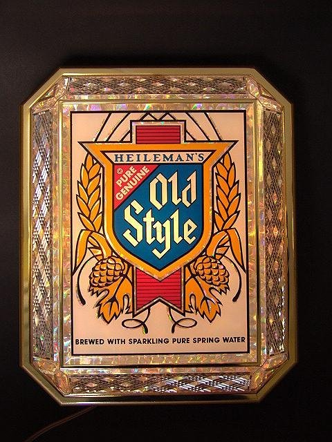 19: OLD STYLE BEER PRISM LIGHTED SIGN , MINT UNUSED