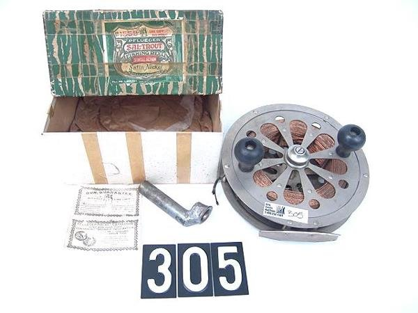 305: PFLUEGER SAL-TROUT #1558 1930'S FISHING REEL IN OR
