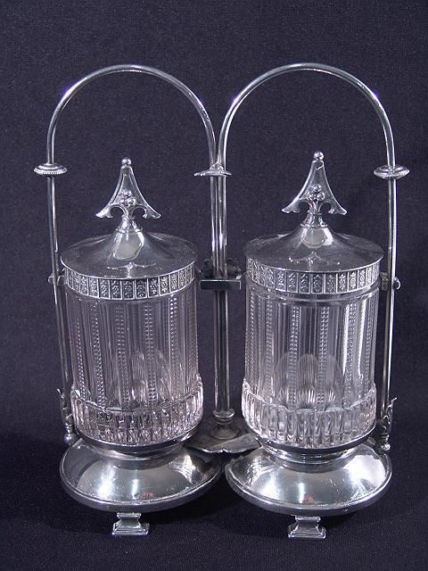 597: VICTORIAN QUADRUPLEPLATE DOUBLE PICKLE CASTOR WITH