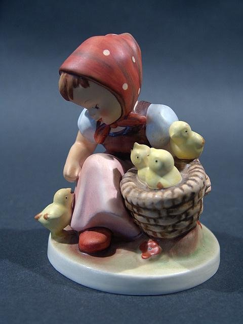 """805: HUMMEL """"CHICK GIRL"""" 4.5"""", no chips good condition"""