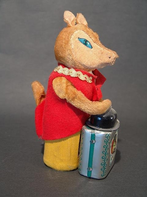 1307: JAPANESE TIN MAGICIAN FOX WIND UP TOY