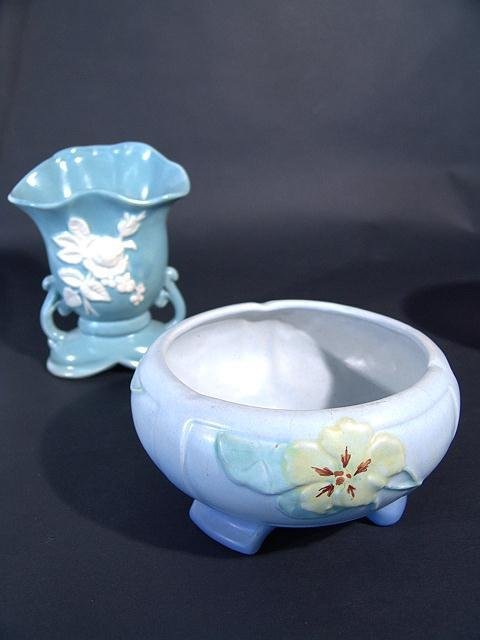 1452: WELLER PANELLA ART POTTERY BLUE FOOTED BOWL W/HAI
