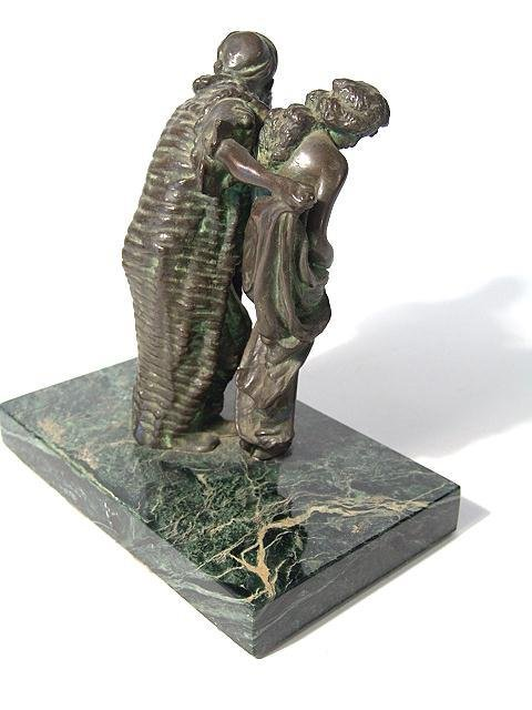1486: BRONZE SCULPTURE OF ARAB SLAVE TRADER WITH NUDE - 3