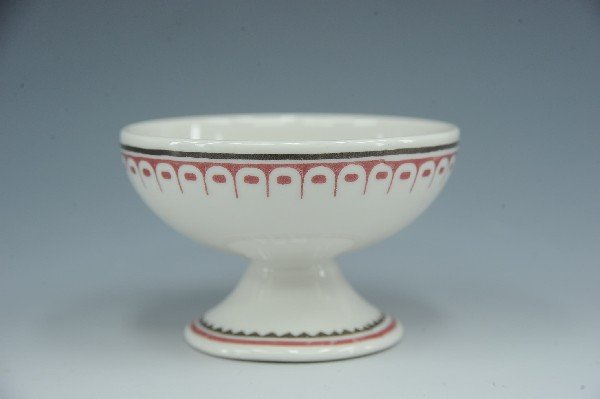 AN AT&SF MIMBRENO PATTERN EGG CUP OR SHERBET WITH THUND