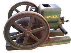 JOHN DEERE 1 1/2 HORSE TYPE E HIT AND MISS ENGINE