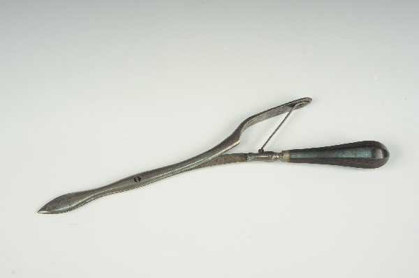 GOULDING & FORD ANTIQUE MEDICAL ARROW PERFORATOR