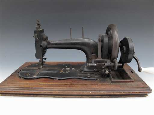 A GRITZNER ROSENBUSCH TYPE SEWING MACHINE CIRCA 40 Gorgeous Gritzner Sewing Machine Price