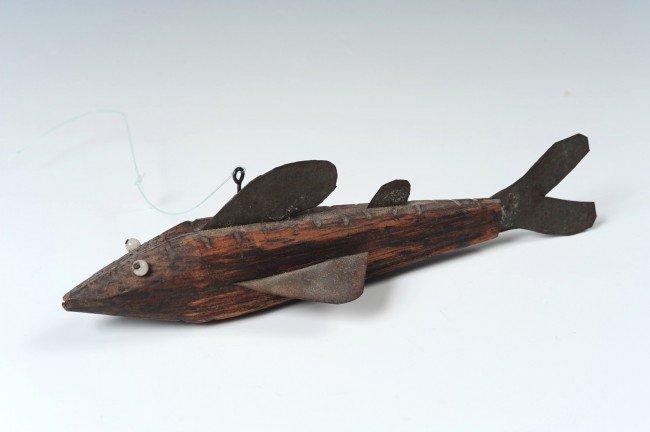 AN ANTIQUE FOLK ART FISH DECOY