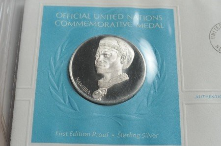 SET OF UN COMMEMORATIVE STERLING SILVER MEDALS - 3