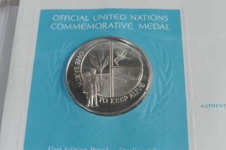 SET OF UN COMMEMORATIVE STERLING SILVER MEDALS - 6
