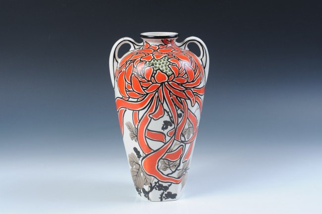 A ROYAL NIPPON ART DECO HAND PAINTED VASE