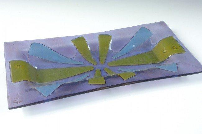 A SIGNED HIGGINS ART GLASS TRAY
