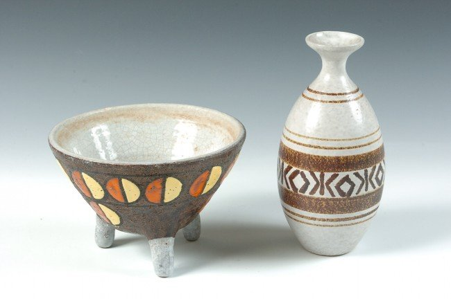 TWO PIECES OF MODERN DESIGN ITALIAN POTTERY