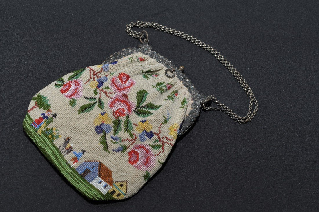 LARGE FINE VICTORIAN BEADED PURSE W/COUNTRY SCENE