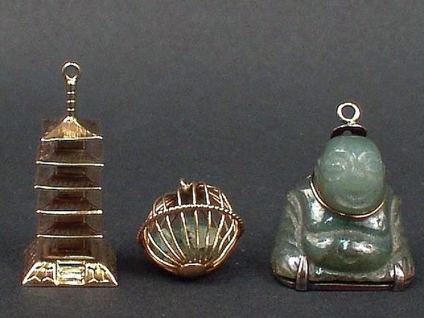 302: 3 GOLD CHARM--CHINESE BUGODA, JADE BUDDHA AND JADE