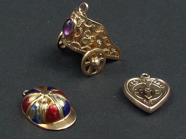 303: 3 GOLD CHARMS-CHARIOT, HEART & DERBY CAP