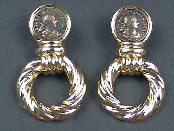 322: PAIR OF YELLOW PLATED CLIP ON COSTUME COIN EARRING