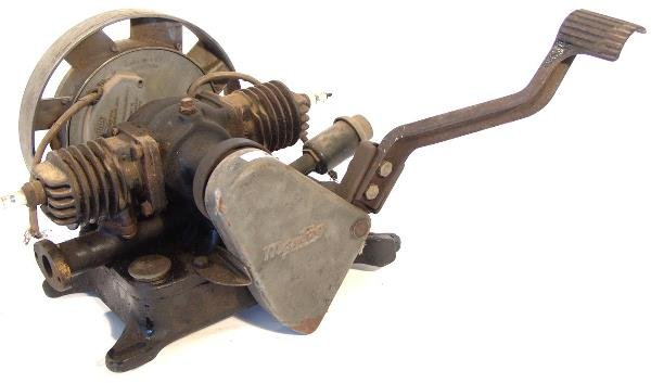 702: MAYTAG TWO CYLINDER ENGINE MODEL 72D