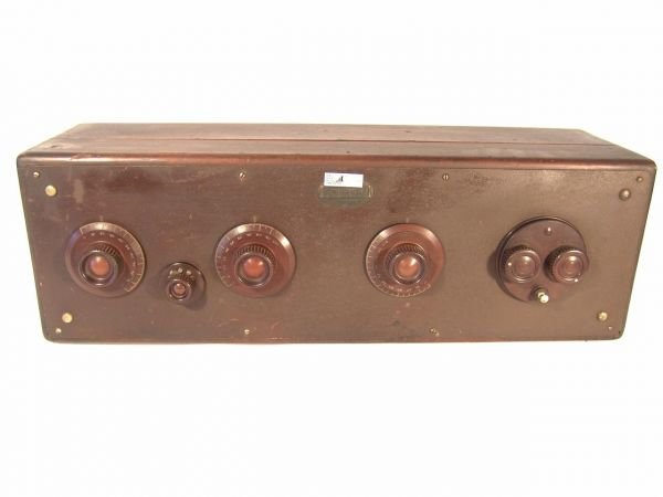 704: ATWATER KENT MODEL 20 EARLY RADIO RECEIVER